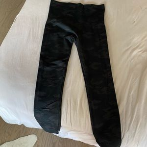 Spanx army print plus size leggings
